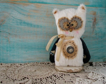 Orphelia the Owl teddy Bear 5 inches tall handmade by Woollybuttbears