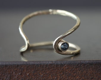 Arrow Ring- Sapphire