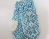 Handknitted norwegian mittens for children in white and tourquise