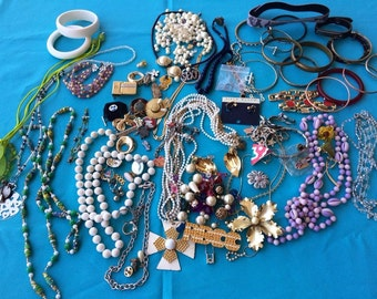 Vintage Jewelry Lot, Necklaces, Bracelets & Parts, Wear, Repair, Repurpose Crafts Old and Newer