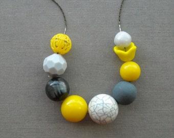 puddle wonderful - necklace - vintage lucite