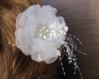 Hair fascinator clip white bridal wedding