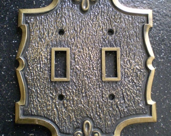 Vintage Double Toggle Light  Switch Plate