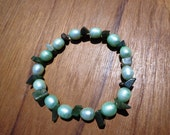 Bracelet Green Jade Gemstone Chip Beads and Light Green Freshwater Pearls on Elastic Cord in 2 Sizes, Jade Bracelet, Pearl Bracelet, Stretch