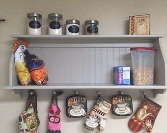 """Country Kitchen Wall Shelf Storage Cupboard with Shaker Pegs 46"""""""