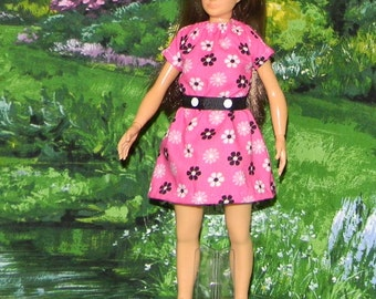 LMLY-186) Lammily doll clothes ( pretty pink dress with white and black flowers and belt)