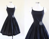 1950s Dress - Vintage 50s Dress - Black Cotton Princess Seam Full Skirt Sundress S - Rare Earth