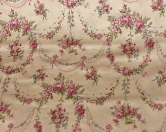 Yuwa Rose Garland Cotton Fabric 812965C Ivory Rose Garlands