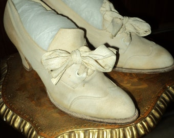 FINAL SALE Vintage 1920s Day Shoes Historical Canvas Heels with Bows Costume Stage Leather soles Museum deacession Ladies