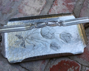 Vintage - Rodney Kent - Hand Wrought Creations 420 - Hammered Aluminum Tray with a Raised Tulip Motif - 1950s - Relish - Snack Tray - Handle