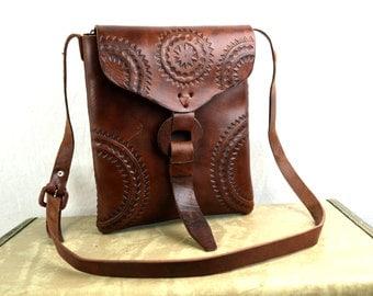 Vintage Vintage Tooled Leather Mexico Floral Purse Bag