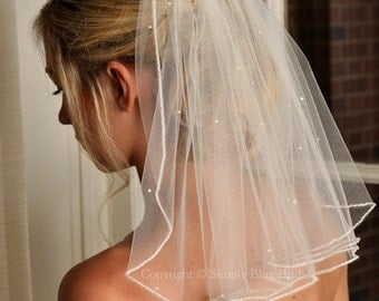Pearl Bridal Veil, Beaded Edge and Scattered Swarovski Pearls - Short Veil - Shoulder Length Veil - Wedding Veil