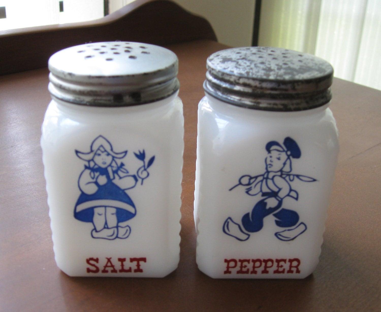 milk glass dutch kids salt and pepper shaker set. Black Bedroom Furniture Sets. Home Design Ideas