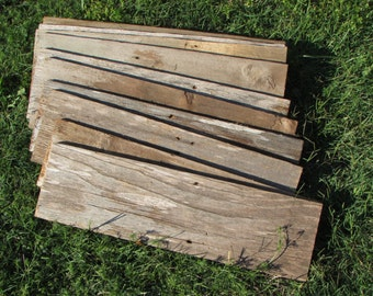 """Reclaimed Old Fence Wood Boards - 1 Fence Boards 20"""" Weathered Barn Wood Planks - Good Condition - Great For Rustic Crafting!"""