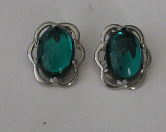 Clip on Cabochon Scalloped Earring Finding