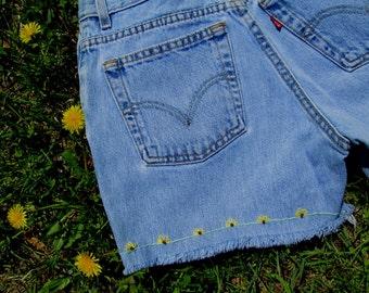Sale / Vintage Levis Cutoffs / Embroidered Flowers / Hippie Shorts / Levis Cut Off Shorts / Levis Shorts / Jean Cutoffs