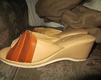 vintage 70s  womens wedge heel sandals sz 8  never worn by Angel Fair