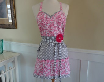 Classy Cook in Pink Damask ~ Pockets & More Style  Women's Apron ~ 4RetroSisters