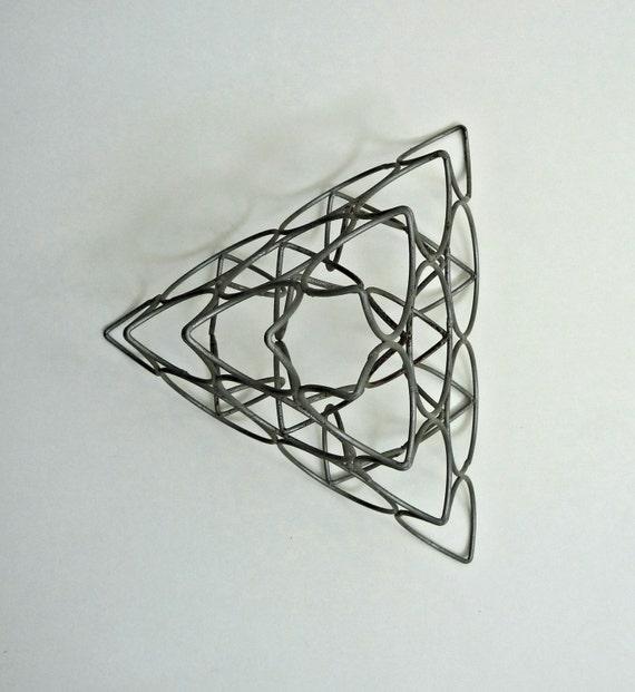 Retro Kitchen Hooks: Vintage Wire Rack Fruit Pyramid 1960s Retro Kitchen Display