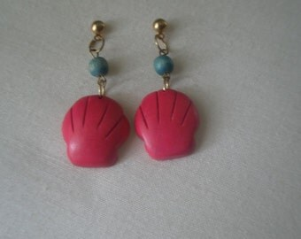 Vintage Stained Pink and Blue Wood Shell Design Dangling Post Earrings