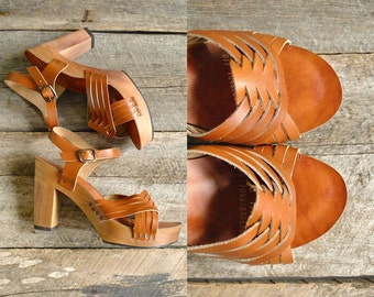 Wood Sandals Sz 10  //  70s Platform Sandals Size 42  //  THE GALLENKAMP