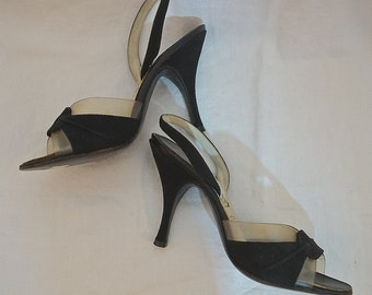 Vintage 1950s Shoes / 50s Black Peep Toe Sling Back Heels / Black Suede and Clear Vinyl High Heels by Life Stride Size 4 1/2