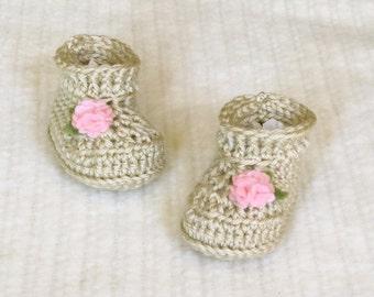 Crochet baby booties, cream baby booties, 3 to 6 months,baby girl booties, cream baby boots