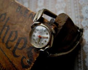 Vintage Helbros Ladies Wrist Watch Duchess USA Watchband - Recycle Upcycle Steampunk Supply - Jewelry. Watch. Scrapbook. Supply