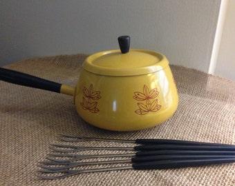 Truly Retro Fondue Pot