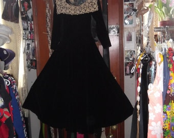 1950s Black Velvet Long full Dress, sz petite