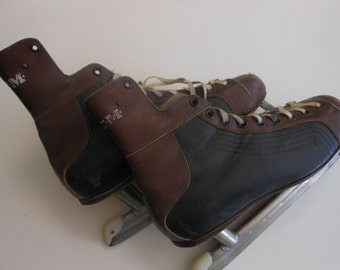 Rustic decor vintage men's ice skates brown black CCM size 11 1/2 sporting goods