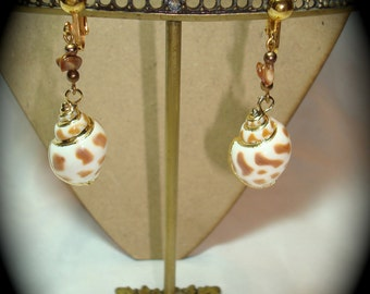 Vintage Shell Dangle Earrings Trimmed in Gold.