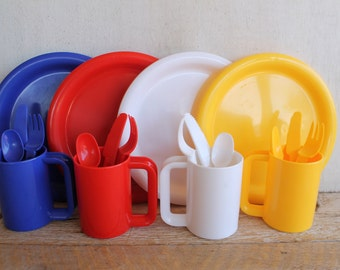 Vintage Plastic Picnic Ware, Setting for 4