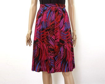 Vintage 1970s Unusual Skirt Sewn Down Pleats Flared Colorful Short Skirt / Small
