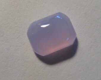 Holley Lavender Chalcedony cab ....   9 x 7 x 4 mm  .....         B1607