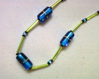 Blue and Lime Green Necklace (0779)