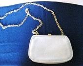 Creme Leather Co. Liz Claiborne Clutch Purse Bag Gold Link Chain Strap 1980's