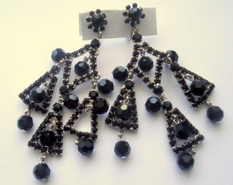 DeLizza and Elster a/k/a Juliana (Never Been Seen Before) Black Dangle Shoulder Duster Dangle Earrings
