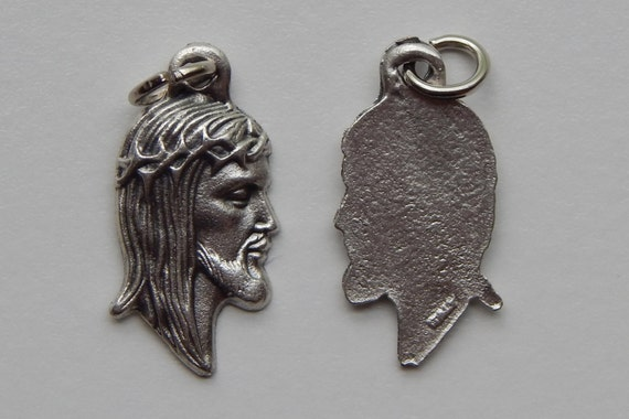 5 Patron Saint Medal Findings, Jesus, Crown of Thorns, Die Cast Silverplate, Silver Color, Oxidized Metal, Made in Italy, Charm, RM501