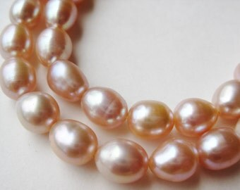 Vintage Freshwater Pink Baroque Pearl Gold Necklace
