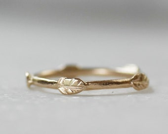 Gold Leaf Wedding Ring - ONE 14k Gold Leaf Crown Stacking Band - Eco-Friendly Recycled Gold