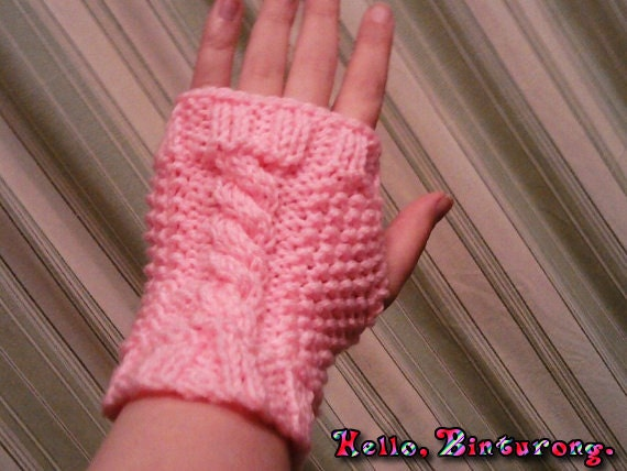 Seed Stitch Cabled Fingerless Gloves