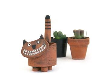 Scaredycat Planter