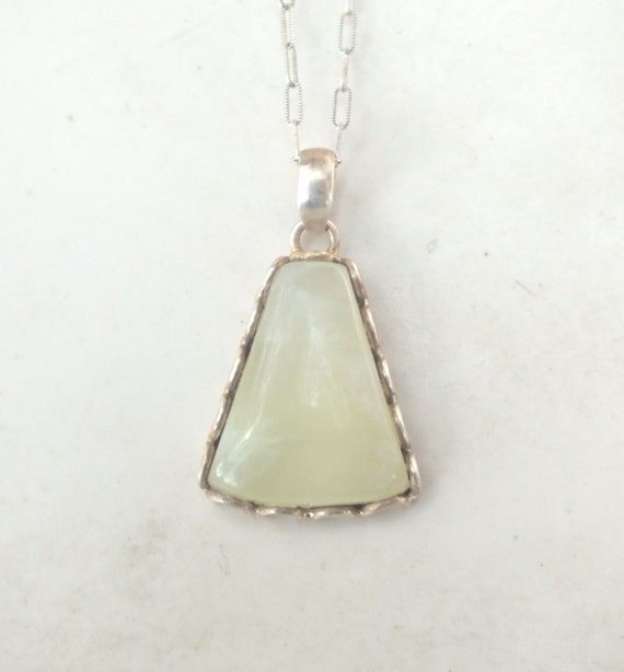Prehnite and Sterling Silver Scalloped Pendant Necklace