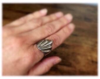 Vintage Sterling Silver Wave Ring