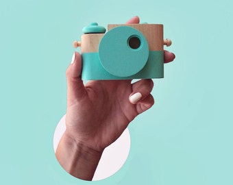 Mint Pixie - Wooden Toy Camera