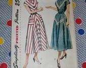 """1940s Vintage Simplicity Pattern 2807 Misses Day Dress Size 14, Bust 32"""", Hip 35"""", Waist 26"""", Uncut, Factory Folds"""