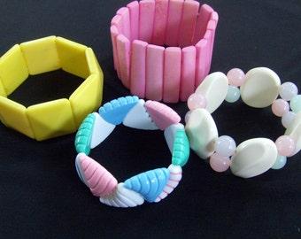Vintage Lucite Stretch Bracelet, Pastel Bracelet, Summer Bracelet, Plastic Bracelet
