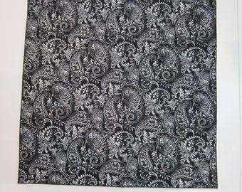 "Paisley - Black and White - 18"" Square Cloth Napkins - HANDMADE - Set of 4"