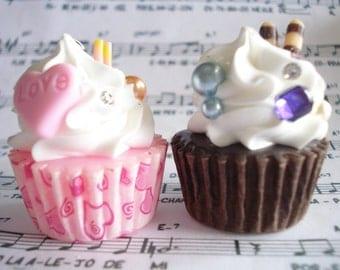 Cupcake necklace, Food jewelry, Sweet miniature necklace, Dessert jewelry, Resin jewelry, Gift for sister.